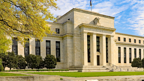 Interest Rate Outlook: Fed Evaluating Risks to U.S. Economy